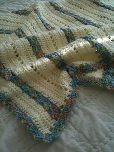 Sweet Dreams blanket, free pattern by Marilyn Coleman.  Pic from Ravelry Project Gallery.   . . .  ღTrish W ~ http://www.pinterest.com/trishw/  . . . #crochet #afghan #throw
