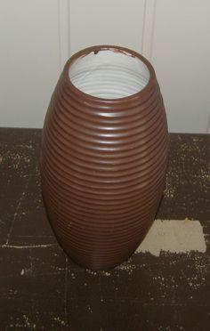 Langweilige braune Vase