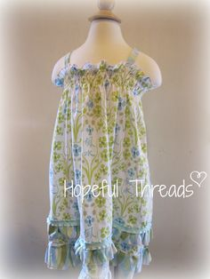 Ice Cream Sundress/Hopeful Threads: Book Review - Sewing The Seasons by Sandi Henderson
