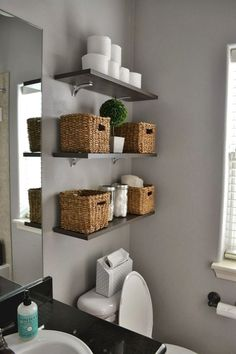 Kleine Badezimmer Design Ideen – Lesen Sie unsere Bad design-Ideen, Tipps und Ge… Small Bathroom Design Ideas – Read our bathroom design ideas, tips and secrets for making the most of your bathroom design ideas. Home Organization, Shelves, Small Bathroom Storage, Small Bathroom Decor, Home Decor, Simple Bathroom, Bathroom Design Small, Bathroom Design, Bathroom Decor
