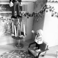 Day 6: Christmas can be a tough time but dont you worry! #lol #adventcalender #playmobil #scetch #scenario #christmas #xmas #fun #funny #grumpycat #play #poormary #instagay #gayboy #gayboyproblems #familyproblems #prank #haha #followme #laugh #hehunghimself #f4f #instapic #love #comedy #comedian