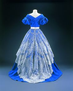 Evening dress, 1865-68    From the Musee du Costume et de la Dentelle