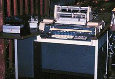Bueno..y en esta bien viejita trabaje con ella en una aplicación de Contabilidad, a los curioso les diré que tenia un disco de 5 Megabytes y se programaba en COBOL.