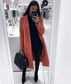 unique business meeting outfit ideas dress & outfits in 2019 outfit ideen, frauen Spring Outfits Women, Winter Fashion Outfits, Fall Winter Outfits, Look Fashion, Winter Birthday Outfits, Unique Fashion, Feminine Fashion, Holiday Outfits, Fashion 2018