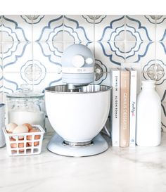 KitchenAid® Limited Edition Heritage Artisan Model K Stand Mixer with Stainless-Steel Bowl Williams Sonoma Home Decor Kitchen, New Kitchen, Kitchen Ideas, Kitchen Designs, Kitchen Layout, Kitchen Ware, Island Kitchen, Kitchen Trends, Kitchen Interior