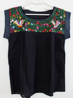 embroidered navy blue mexican blouse made in oaxaca/ mexican embroidered ethnic blouse / boho hippie folk tunic / blusa mexicana bordada de ChiapasbyJUBEL en Etsy