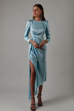 Elegant Outfit, Classy Dress, Classy Outfits, Elegant Dresses, Pretty Dresses, Stylish Outfits, Beautiful Dresses, Gala Dresses, Satin Dresses