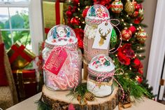 Looking for a holiday gift for a neighbor or friend? Paige Hemmis' DIY Mason Jar Snow Globe! Don't miss Home & Family weekdays at 10a/9c on Hallmark Channel!