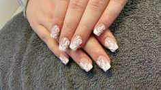 french manicure met 3d design