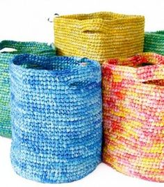 Craft recycled materials plastic bags Ideas Craft recycled materials plastic bags Ideas Source by Plastic Bag Crafts, Plastic Bag Crochet, Plastic Bag Storage, Recycled Plastic Bags, Recycle Plastic Bottles, Yarn Crafts, Fused Plastic, Recycling, Magazine Crafts