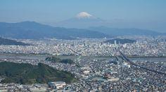 Shizuoka City by peaceful-jp-scenery (busy) Mt.Fuji and Shizuoka city from Chosen-iwa 朝鮮岩からの富士山と静岡市  Central of Shizoka city is over the Abekawa River. Night scene will be gorgeous but climbing is necessary here.  中央に安倍川その向こう側が静岡市の中心地です 静岡では屈指の夜景スポットと言われますが 登山が必要ですまたいつか  [16:9 trimming] Shizuoka city Shizuoka pref Japan http://flic.kr/p/NAnyqv
