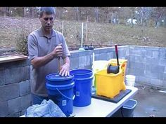 Wash laundry when power goes out. Prepper shows how to make a laundry station. Plunger (new) with holes drilled around top + 5 gal bucket with hole in lid + ringer. Camping Survival, Survival Prepping, Survival Skills, Homestead Survival, Survival Gear, Camping Hacks, Doomsday Preppers, Emergency Preparation, Survival Equipment