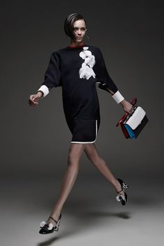 Fendi Resort 2015 Fashion Show Collection: See the complete Fendi Resort 2015 collection. Look 30 Fashion Week, Fashion Show, Fashion Outfits, Womens Fashion, Fashion Design, Fashion Trends, Review Fashion, Runway Fashion, Uk Fashion