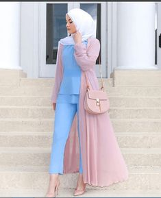 What to Wear As A Hijabi Traveler A Complete Guide Modern Hijab Fashion, Islamic Fashion, Abaya Fashion, Muslim Fashion, Modest Fashion, Modest Outfits, Fashion Outfits, Hijab Fashionista, Casual Hijab Outfit