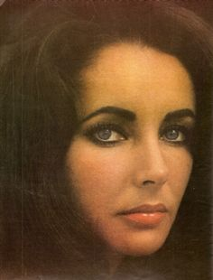 Elizabeth Taylor, one of the most beautiful women i've ever seen.