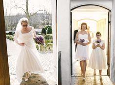 brud og brudepiger ankommer