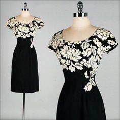 Vintage 1950s Dress . Black . Ivory . Floral Print