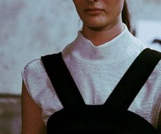 Helmut Lang F/W 92: Helmut Lang fw14 by Lea Colombo. Image via iamcharlottemartin. I love petit high neck.