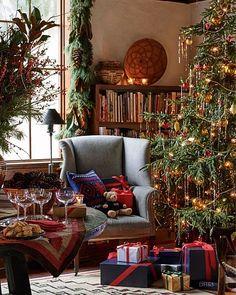 ralph lauren home holiday Christmas Interiors, Christmas Room, Noel Christmas, Merry Little Christmas, All Things Christmas, Winter Christmas, Vintage Christmas, Christmas Movies, Xmas
