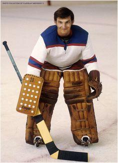 Владислав Третьяк #hockey #хоккей #цска #ссср Hockey Logos, Women's Hockey, Hockey Cards, Hockey Players, Hockey Stuff, Canada Cup, Goalie Mask, Costumes, Sports