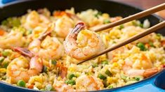 Easy Shrimp Fried Rice-Do you ever possess leftover rice in the fridge? The best way to utilize it up is to create fried rice! Fried rice is most effective with chilled left. Shrimp Recipes, Rice Recipes, Asian Recipes, Cooking Recipes, Healthy Recipes, Chinese Recipes, Recipies, Prawn Fried Rice, Steamed Rice