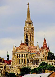 Matthias Church Budapest Matthias Church Budapest Hungary The post Matthias Church Budapest appeared first on Architecture Diy. Sacred Architecture, Beautiful Architecture, Landscape Architecture, Beautiful World, Beautiful Places, Wachau Valley, Magic Places, Hungary Travel, Voyage Europe