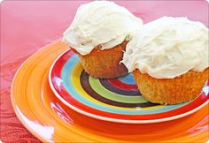 Pumpkin Spice Muffins with Cream Cheese Frosting! Click on the image to get the recipe! #AnnasLinens