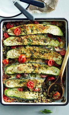 kesäkurpitsa-linssipaistos | Maku Clean Recipes, Whole Food Recipes, Soup Recipes, Vegetarian Recipes, Cooking Recipes, Healthy Recipes, Lentil Casserole, Good Food, Yummy Food