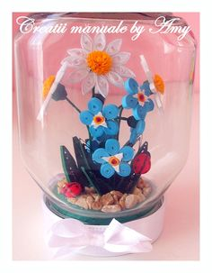 Flower in a jar made up of paper quilling Quilling Tutorial, Quilling Craft, Quilling Flowers, Quilling Designs, Paper Quilling, Paper Flowers, Quilling Ideas, Decor Crafts, Diy And Crafts