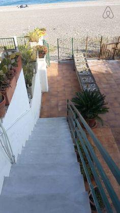 Dai un'occhiata a questo fantastico annuncio su Airbnb: LA CASA DI MARTA - Appartamenti in affitto a Mascali