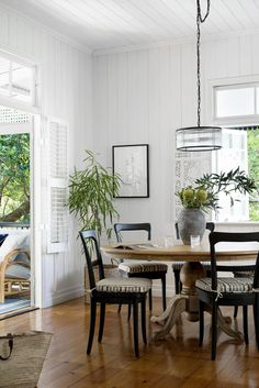 Dining room delight in our lil Brisbane Federation Queenslander project. It wasn't easy finding a pedestal dining table in this size. Timber Dining Table, Dining Chairs, Dining Rooms, Dining Area, Wood Table, Room Chairs, Ikea Bed Slats, Queenslander House, Weatherboard House
