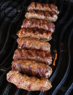 Romanian Barbecue Sausages (Mititei or Mici) (with video). Sausage Recipes, Meat Recipes, Cooking Recipes, Healthy Recipes, Mici Recipe, Romania Food, My Favorite Food, Favorite Recipes, Kitchen