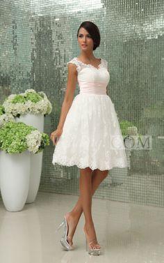 Exquisite Sweetheart Short Lace Wedding Dress With Lace Applique. #lace #weddings #DorisWedding.com