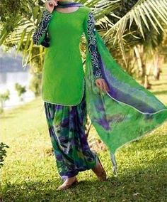 Patiala Salwar Cutting in Urdu. Mausummery Punjabi Style Suits included Patiyala Shalwar with Neck Designs. Patiala Salwar Suits, Indian Salwar Kameez, Salwar Kameez Online, Churidar, Punjabi Fashion, Indian Fashion, Indian Suits, Indian Dresses, Panjabi Suit