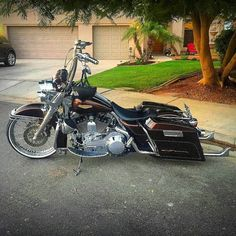 "Follow & Tag ""HD Tourers and Baggers"" on Instagram Facebook Twitter & across the Web. ===================== #hdtourersandbaggers  ===================== Credit to @lefty_mst ===================== #instamotogallery #instamoto #motorcycles #harleydavidson #roadkingclassic #roadking #roadglide #streetglide #softail #showoffmyharley #harleysofinstagram #harleylife #bikelife #bikersofinstagra #bikestagram  #harleyrider #harleyriders #customharley #throttlezone #harleydavidsonnation…"