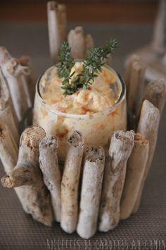 Rillettes de Carottes au Cumin 2 carottes, 150gr fromage frais, 1 cà c crème fraîche, sel, poivre, cumin, 2 c à s de son d'avoinehttp://cathysdelights.canalblog.com/archives/2014/03/15/29441430.html