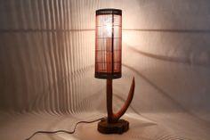 【照明】ケヤキ・エンジュ製:すだれの傘が、明かりを魅力的に拡散させる照明 素材:ケヤキ・エンジュ サイズ:土台-160mmx150mm 高さ-550mm