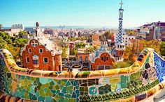 #Parc #Guell in #Barcelona gestaltet von #Antoni #Gudi © r.nagy / Shutterstock.com