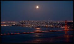 super moon on Golden Gate Bridge