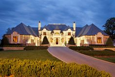 Giant luxury French style mansion Architecture - 14 Amazing Houses