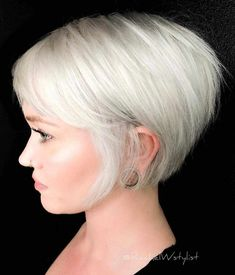 40 Best Pixie and Bob Short Hairstyles for Women 2019 - - Short Hairstyles - Hairstyles 2019 Okay prefer to overhaul your look? Is it accurate to say that you are hunting down an ideal hairdo that can suit your way of life? Today, you get that opportuni Short Hairstyles For Thick Hair, Pixie Hairstyles, Short Hair Cuts, Easy Hairstyles, Curly Hair Styles, Pretty Hairstyles, Fashion Hairstyles, Hairstyles 2016, Medium Hairstyles