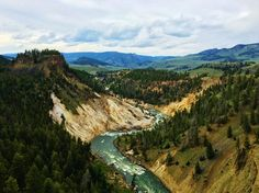EarthPorn is your community of landscape photographers and those who appreciate the natural beauty of our home planet. Yellowstone National Park, National Parks, National Photography, Landscape Photographers, Planet Earth, Wyoming, Beautiful Landscapes, Cool Photos, River