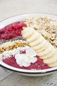 kaunis, kauniimpi, smoothie bowl – good morning from the cock - Love Da Helsinki | Lily.fi #morning #breakfast #smoothiebowl #healthy