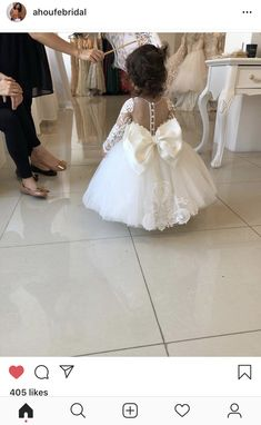 Cute as a button flowergirl Baby Girl Party Dresses, Wedding Flower Girl Dresses, Bridal Dresses, Bridesmaid Dresses, Flower Girls, Princess Wedding, Wedding Bride, Wedding Gowns, Dream Wedding