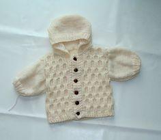 Blouson ou manteau avec 30% de laine, tricoté main écru 6/9 mois : Mode Bébé par danielainetricots