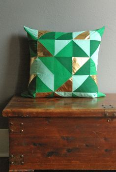 DIY Geometric Print Pillow.
