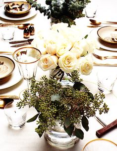 Natural Clean Colors for Christmas Table Setting #camillestyles