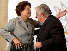 El presidente de Uruguay, José Mujica, visitará mañana a su homóloga brasileña, Dilma Rousseff, con quien discutirá las trabas comerciales surgidas en el Mercosur al calor de la crisis y posibles fórmulas para reducir el impacto en la economía de su país. Ver más en: http://www.elpopular.com.ec/?p=49605=true