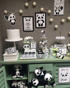 50 Ideias para Festa Panda Gender Neutral Baby Shower, Baby Shower Themes, Baby Shower Decorations, Panda Themed Party, Panda Party, Panda Birthday Cake, Panda Decorations, Panda Baby Showers, Panda Painting