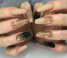 Nageldesign 20 cute nails 2018 Wedding Gifts: Unique And Creative Ideas Choosing wedding gifts is a Fancy Nails, Trendy Nails, Sparkly Nails, Gold Glitter Nails, Glitter Eyeshadow, Gold Coffin Nails, Gold Nail Art, Glitter Bomb, Pink Sparkly